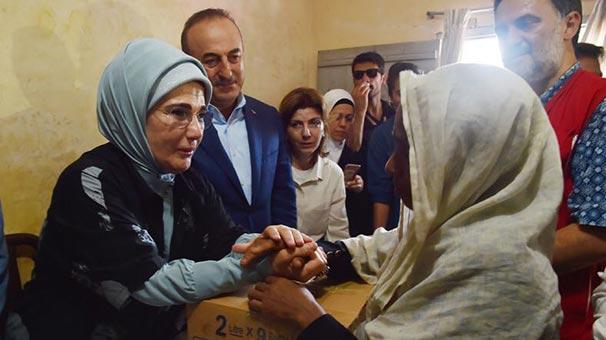 """Emine Erdoğan'a """"İnsani Hizmet Takdir Ödülü"""""""
