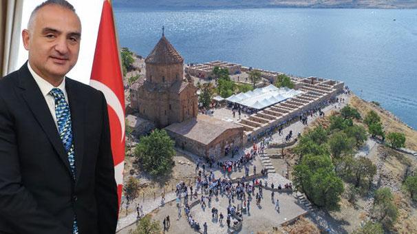 Kültür ve Turizm Bakanı Ersoy Akdamar Adası'nda