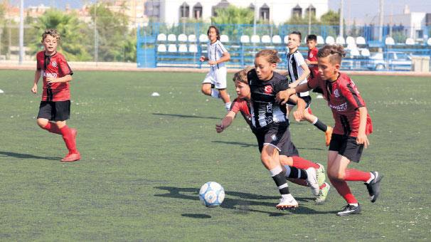 Gaziemir'de anlamlı turnuva