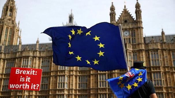 Londra Belediye Başkanı Sadiq Khan'dan 'İkinci Brexit referandumu yapılsın' çağrısı