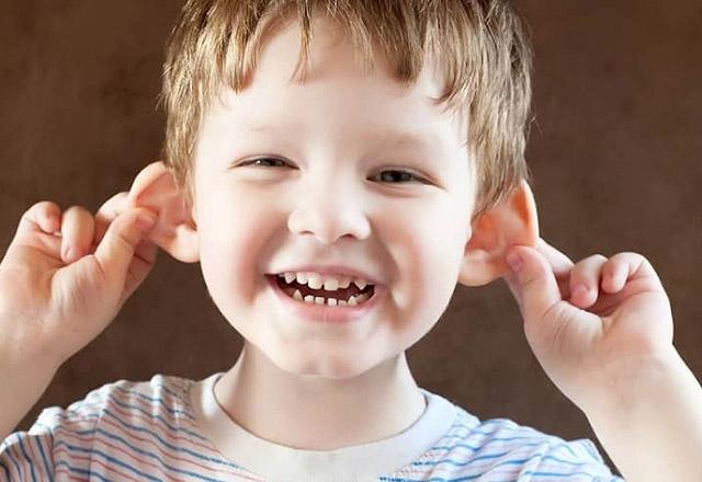 Çocuklarda 'Kepçe Kulak' sorunu travma yaratıyor