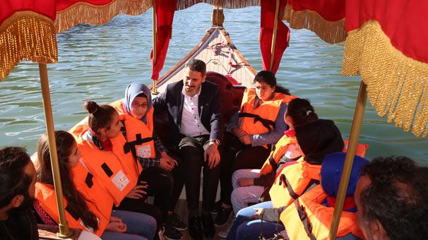 Denizi olmayan Tokat'ta kayık keyfi