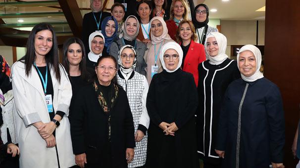 Emine Erdoğan AK Partili kadınlarla bir araya geldi 5