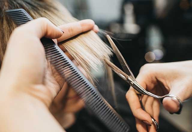 Yazın yıpranan saçlar için 7 öneri