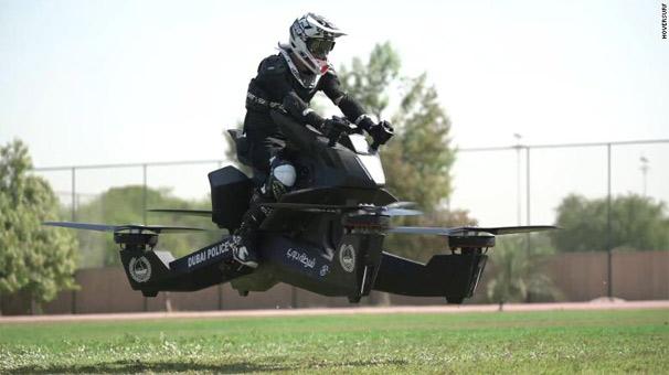 Uçan polis motosikleti geliyor!