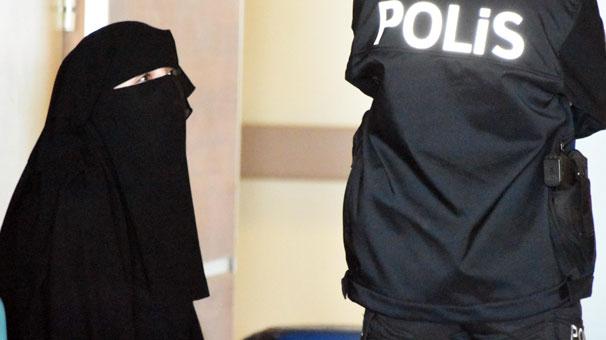 Atatürk'e hakaretten gözaltına alınan üniversiteli kız tutuklandı