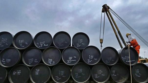 Petrolün varil fiyatı 63,35 dolar