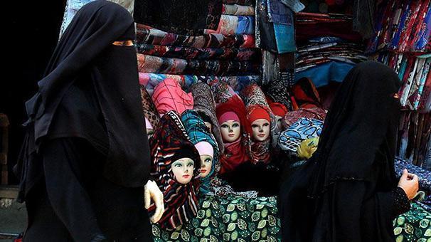 Hollanda'da hükümet ile belediyeler 'burka yasağında' anlaşamıyor