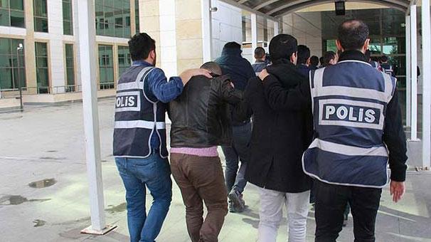 İzmir'de FETÖ operasyonu! Çok sayıda gözaltı