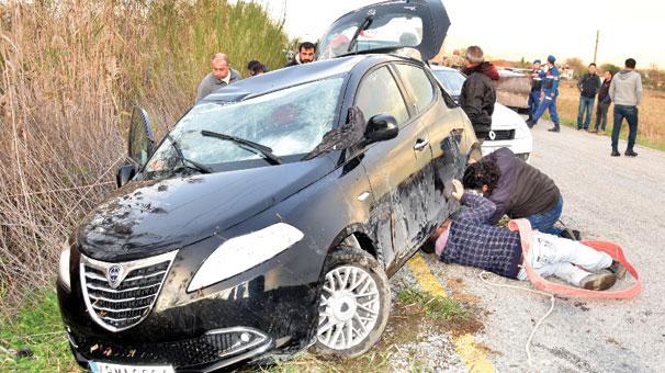 Muğla'da otomobil kanala düştü
