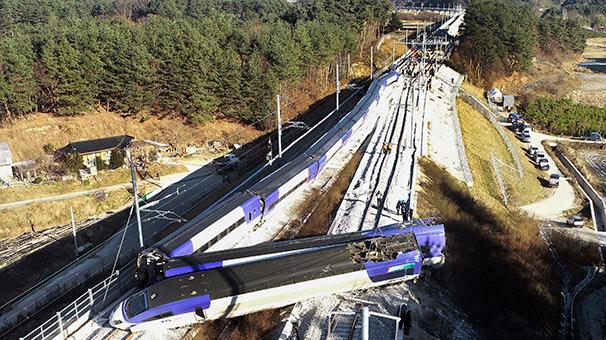 Güney Kore'de hızlı tren raydan çıktı