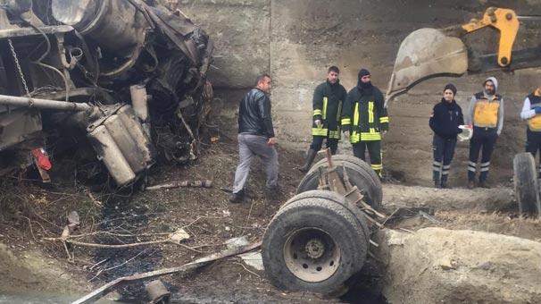 Sorgun Haberleri: Pancar yüklü kamyon dereye uçtu, 1 ölü 91