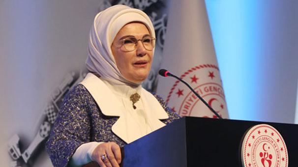 Emine Erdoğan: 'İç dünyamızı bilim, sanat ve sporla zenginleştirmeliyiz'