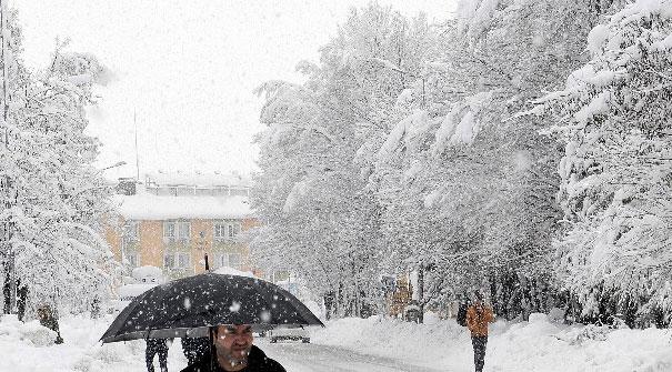 Bingöl'de bugün okullar tatil edildi mi? 11 Ocak Cuma Bingöl'de kar tatili...