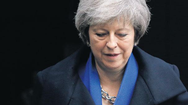 May, Brexit çıkmazında