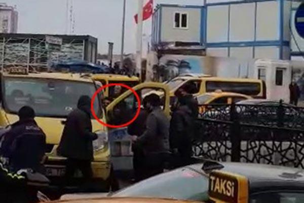 Taksim'de dolmuşçular birbirine girdi!