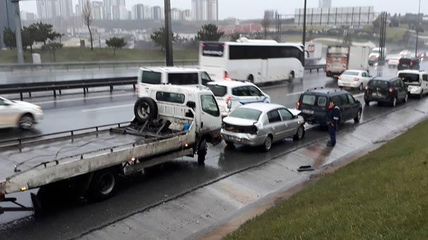 TEM'de kaza! Trafik durma noktasına geldi