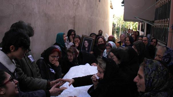 Ukrayna'da vahşice katledilen Buket Yıldız'ın cenazesi defnedildi