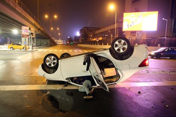 Ankara'da kaza! 2'si polis 3 yaralı