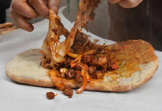 Diyarbakır'ın en önemli yemeği: Ciğer kebabı