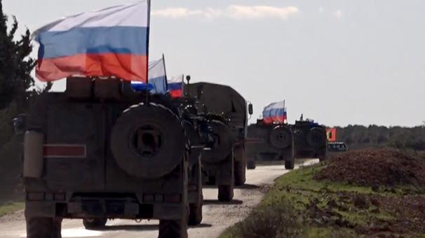 Rus ordusu ve YPG'lilerden Münbiç'te ortak devriye