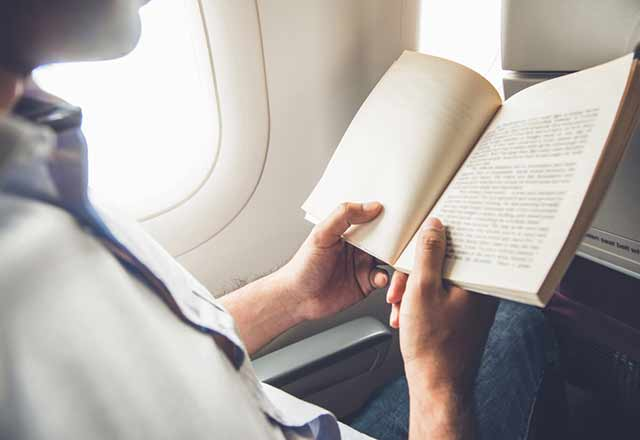 Yolculukta yazı okurken neden midemiz bulanır?