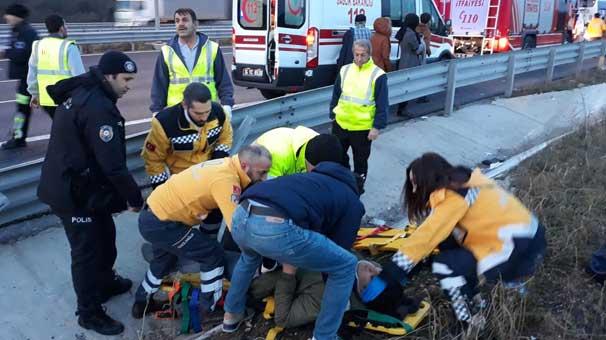 İstanbul'da otobüs devrildi! Yaralılar var