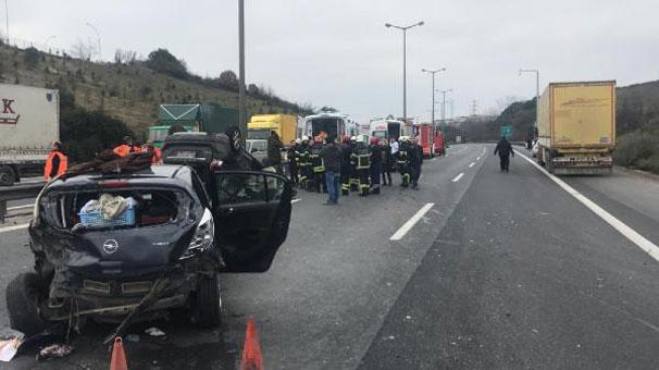 TEM'de feci kaza! İstanbul yönü ulaşıma kapandı...