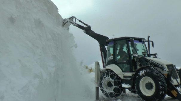 Kar 10 metreye ulaştı!