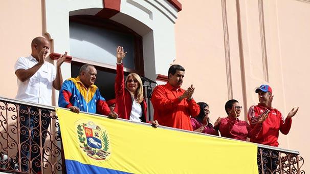 Rusya'dan Maduro'ya destek geldi