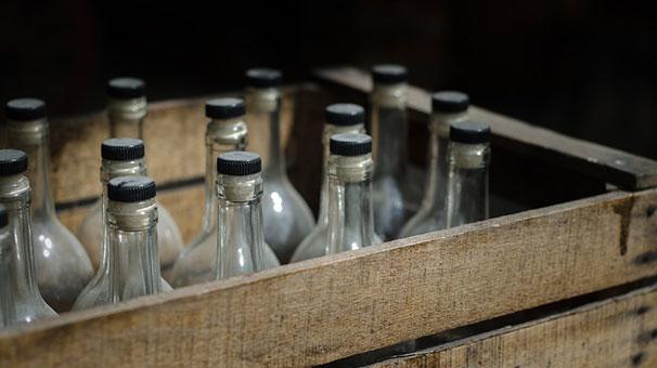 Hindistan'da sahte içkiden ölenlerin sayısı 100'e yaklaştı