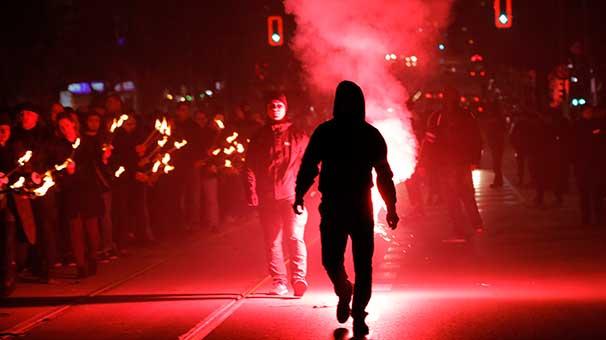 Komşu karıştı! Türk ve İslam karşıtları toplandı ve…