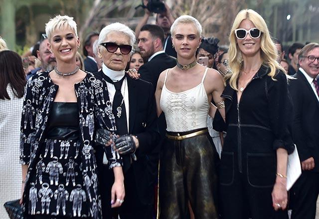 Ünlü tasarımcı Karl Lagerfeld hayatını kaybetti