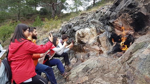 Amanos Dağları'nda yanartaş hayranlığı