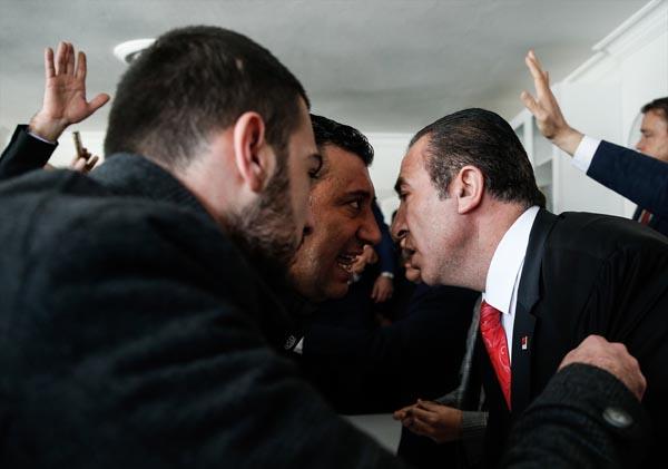 CHP ilçe başkanlığında gerginlik!