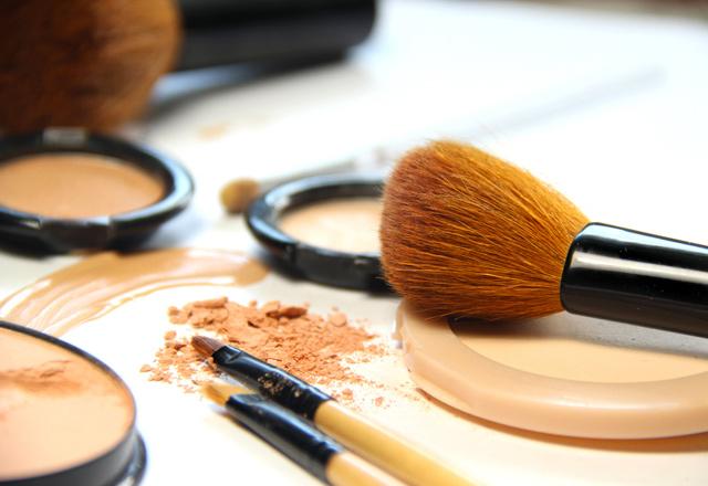 Makyaj malzemelerini düzenlemenin püf noktaları