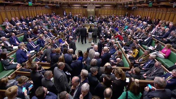 Son dakika | İngiliz parlamentosundan flaş 'Brexit' kararı! Kabul edildi...