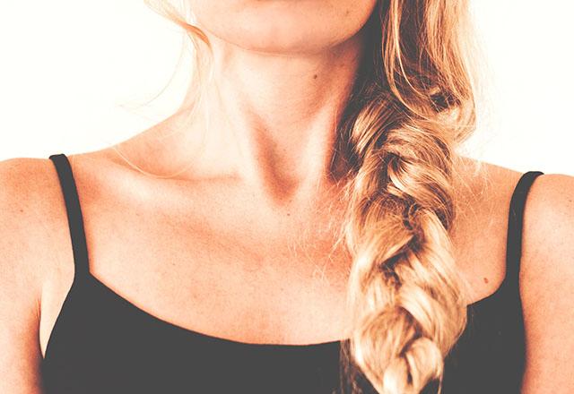 Boynunuzdaki bu belirtiler yaşlandığınızı gösteriyor