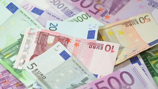 Yunanistan'da bütçe faiz dışı fazla verdi