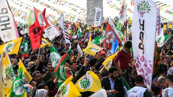 Nevruz kutlamasında terör örgütü PKK sloganları atıldı! HDP, İzmir'de AK Parti ve MHP'nin karşısındaki adaya destek verecek
