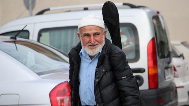 85 yaşındaki Halim Dede yaptıklarıyla 'helal olsun' dedirtiyor