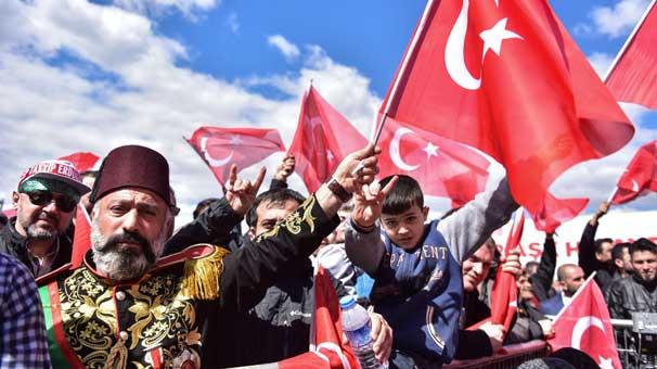 İstanbul'da miting coşkusu! Alandan renkli görüntüler