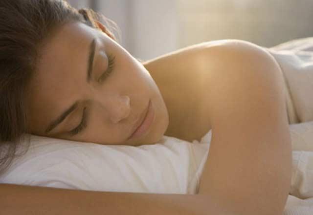 Uyuduğunuzda cildinizde neler olur?