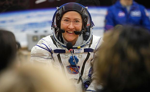 Amerikalı kadın astronot 11 ay uzayda kalacak!