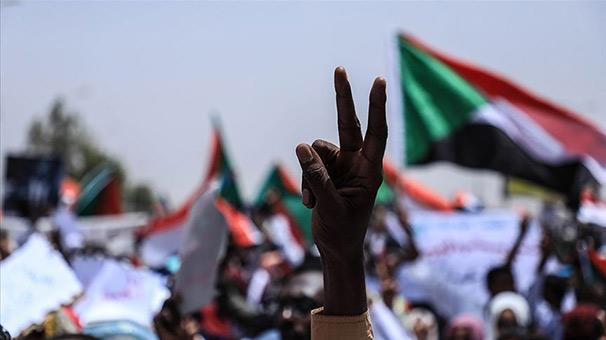 Sudan muhalefeti askeri konseye geçiş süreciyle ilgili önerilerini iletti