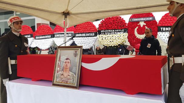 Giresun'da Şehit Er Şahin'i 10 bin kişi son yolculuğuna uğurladı