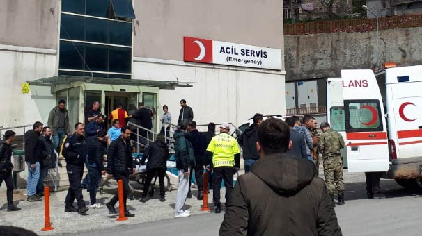 Çukurca'da teröristlerden taciz ateşi: 2 asker yaralı