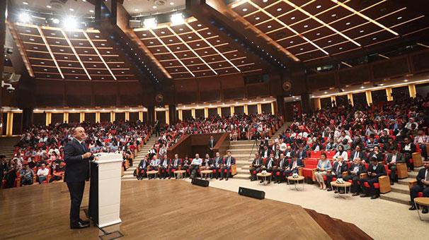 Çavuşoğlu Türkiye'deki yabancı öğrencilere hitap etti