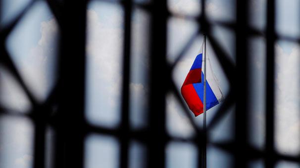 """Rusya'dan """"ticaret savaşı petrol fiyatlarını düşürebilir"""" uyarısı"""