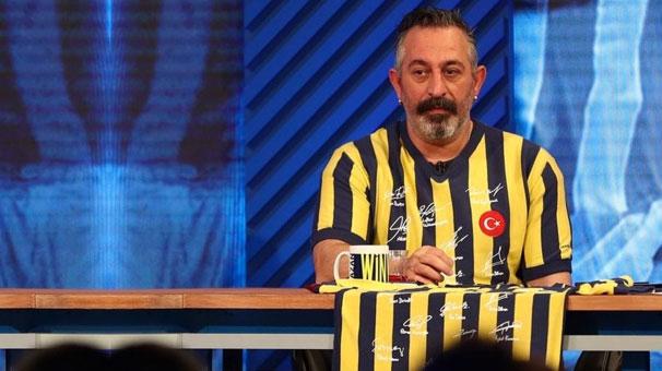 Cem Yılmaz'dan Galatasaray'a tebrik